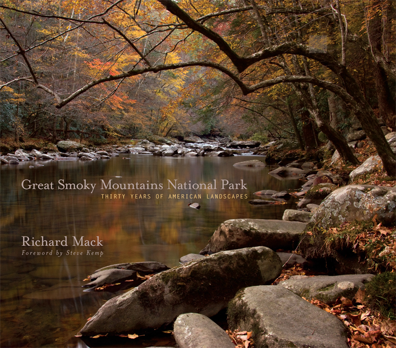 Photographer Richard Mack has brought the vistas and majesty of the Lewis & Clark Trail to life in a magnificent set of 248 color photographs. Richard spent two years visiting key locations along the Lewis & Clark Trail  –  by plane, auto, and on foot  –